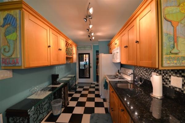 11 Kitchen wide