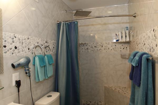 38 bathroom 2